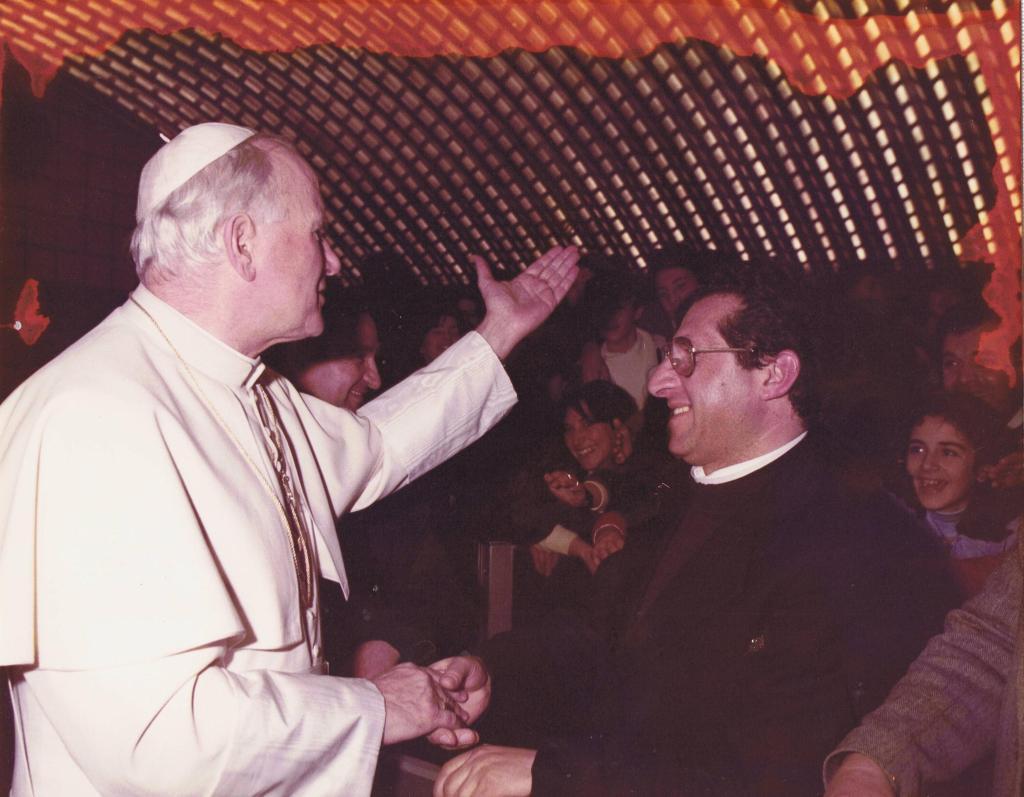 Mons. Salvatore De Filippo incontra S. Giovanni Paolo II